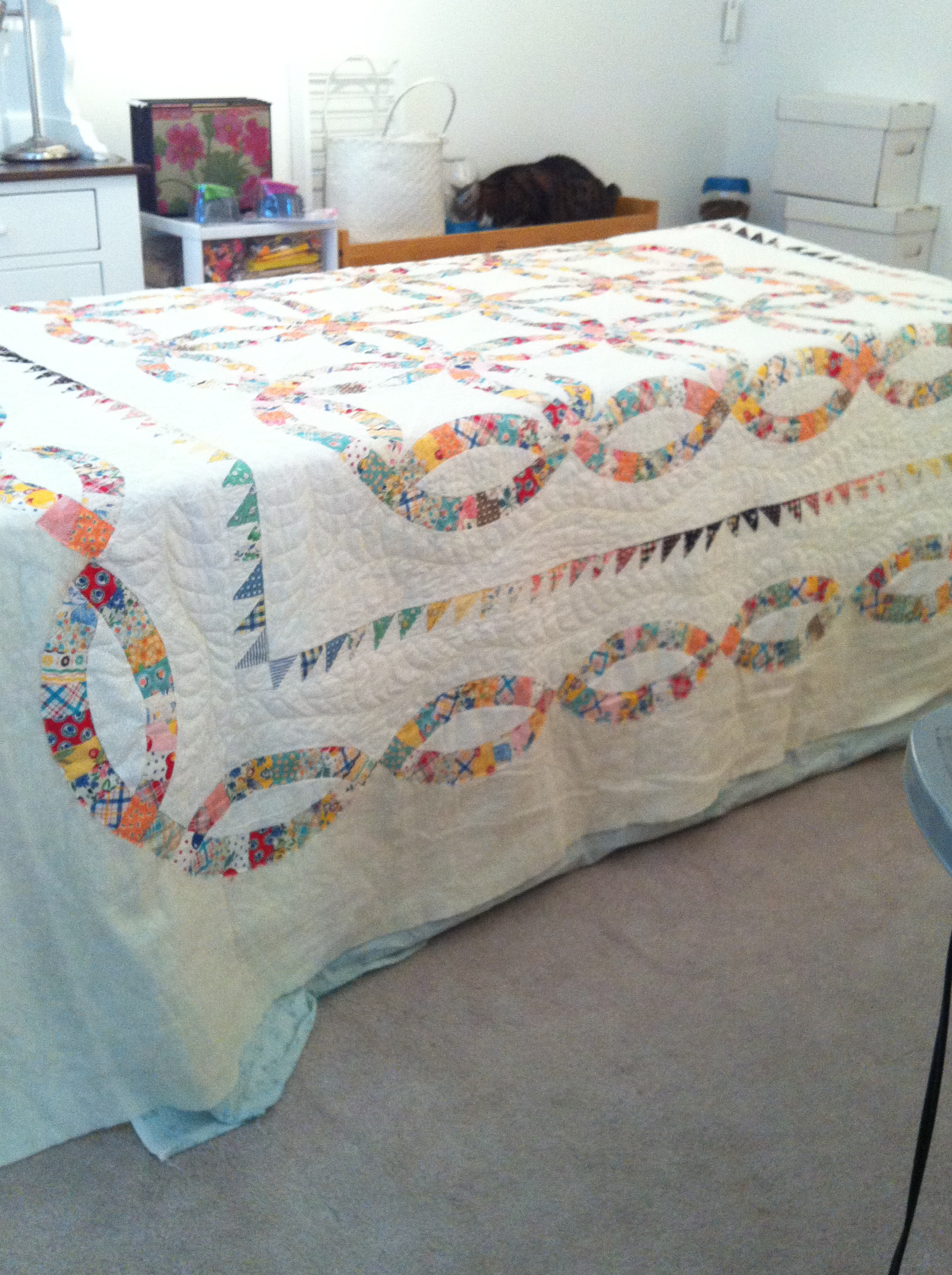 Double wedding ring quilt border